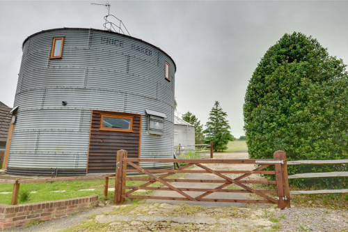 Amazing Spaces - The Corn Bin - Holiday Cottage in Sedlescombe, East Sussex