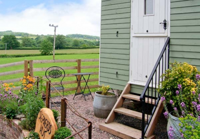Shepherds Hut holiday cottages in the UK with Holiday Cottage Compare