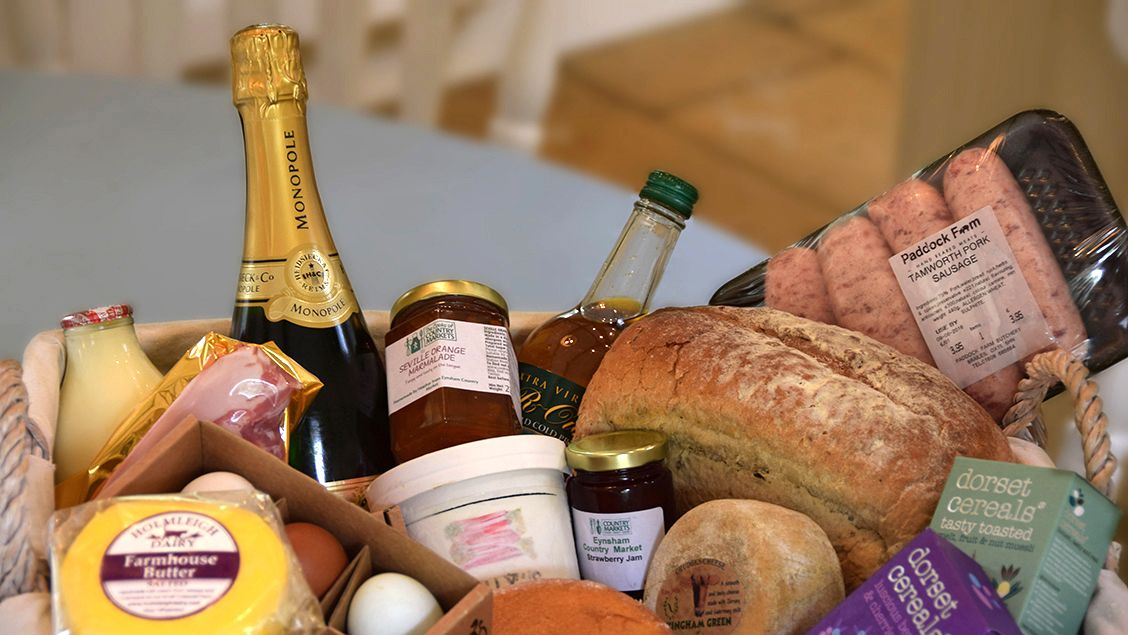 Bruern holiday cottage welcome hamper