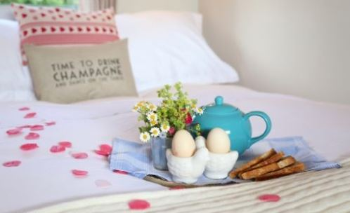 Honey Pot Petham Kent romantic pillow and breakfast in bed