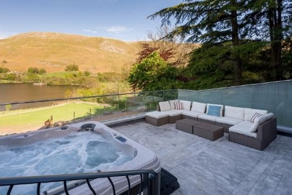hot tub overlooking the hills