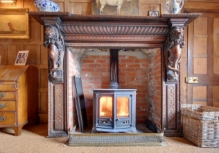 Log fire holiday cottages