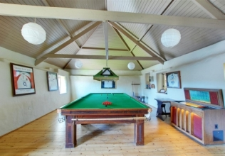 Games room holiday cottages