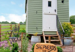 Shepherd's hut holiday cottages