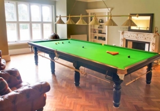 Pool table holiday cottages