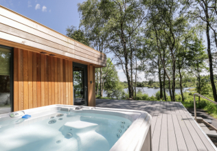 Hot tub holiday cottages for 2 nights