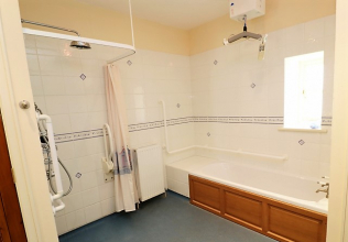 Disabled access holiday cottages with wet rooms