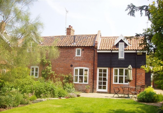 Holiday barn rental in Chedgrave, The Norfolk Broads ...